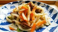 犬猫の乾燥野菜を使ったレシピ「レバー入り焼きうどん」