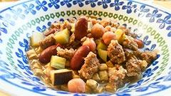 鹿肉を使った犬猫の手作りご飯レシピ「豆と鹿肉の煮込み」