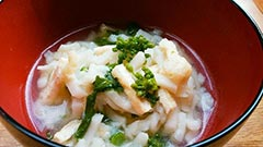 犬猫の白身魚のすり身を使ったレシピ「菜の花と白身すり身のおうどん」