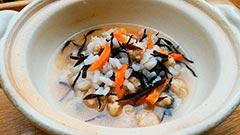 犬猫のシニア・老犬におすすめレシピ「ひじきと鶏肉のおじや」
