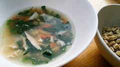 犬猫のスープレシピ「手羽先とほうれん草のスープ」