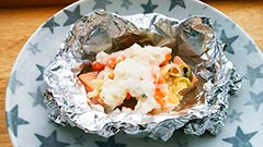 犬猫の乾燥野菜を使ったレシピ「鮭のホイル焼き」