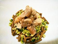 犬猫の泌尿器疾患におすすめレシピ「鶏肉ときゅうりのっけごはん」