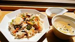 犬猫の栄養のめぐみを使ったレシピ「おこげ風野菜の中華あんかけ&鶏スープ」