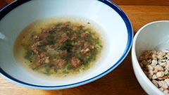 馬肉を使った犬猫の手作りご飯におすすめレシピ「養生野菜と馬肉ミンチのスープ」