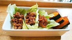 馬肉を使った犬猫の手作りご飯におすすめレシピ「納豆と馬肉ミンチのレタス包み」