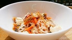 犬猫の乾燥野菜を使ったレシピ「豆腐と鮭の汁かけごはん」